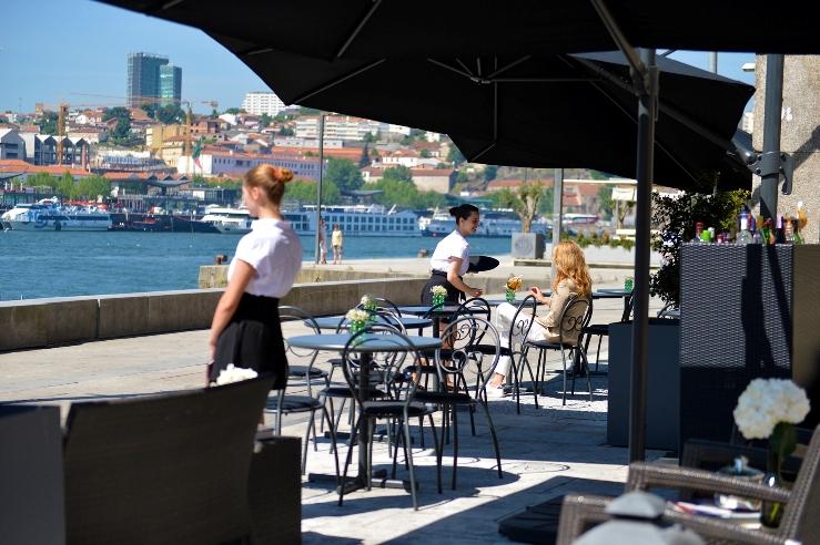 Uma pop up carta na Ribeira do Porto