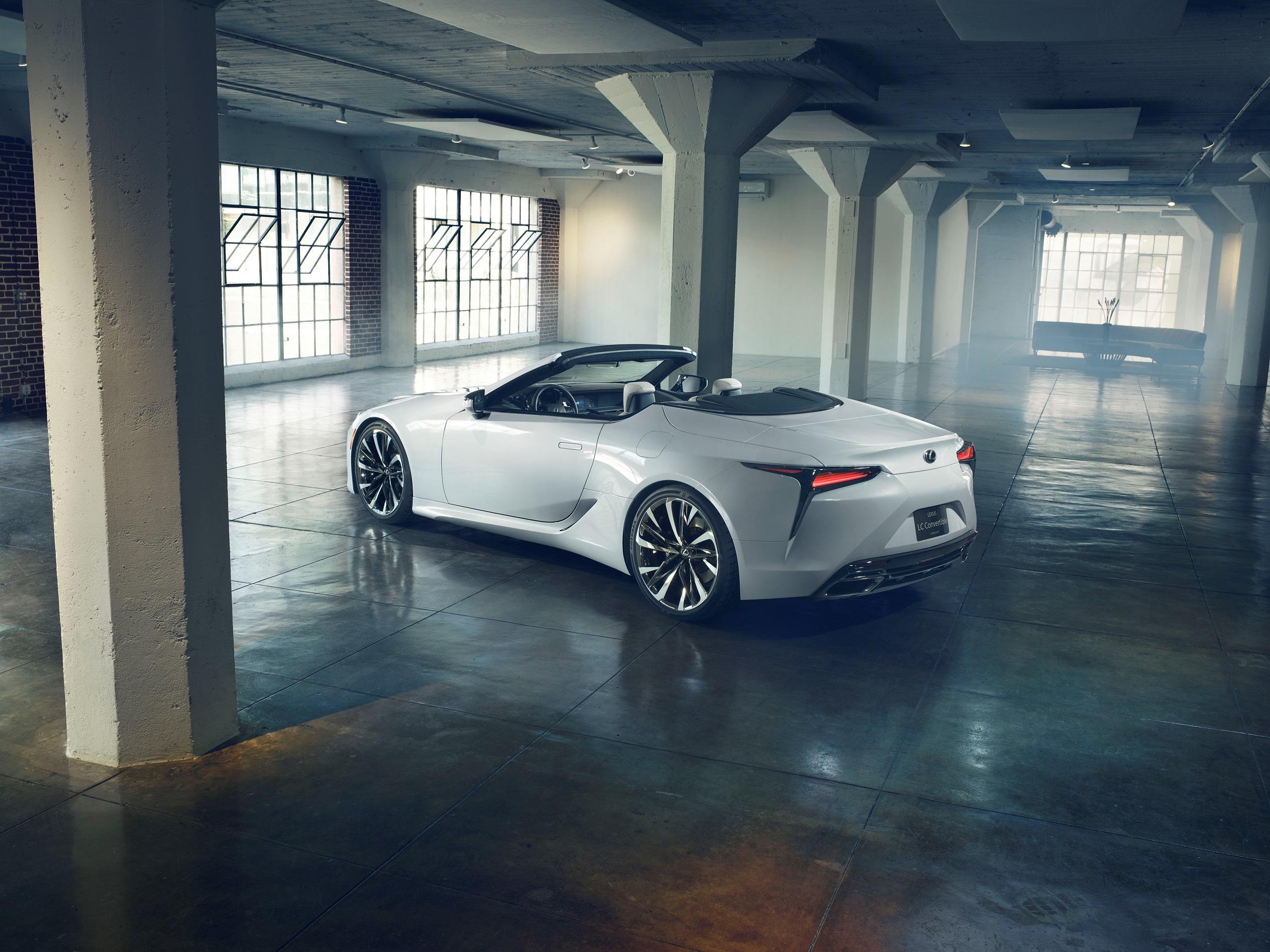 Estreia Europeia de dois novos modelos automóveis