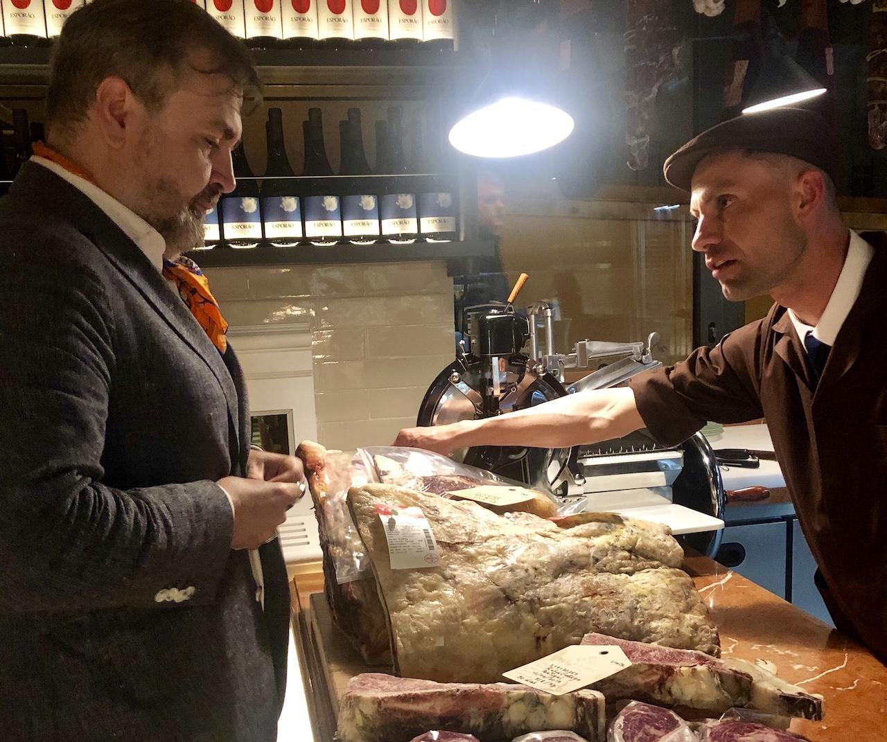 Carne, cocktails e um serviço de luxo
