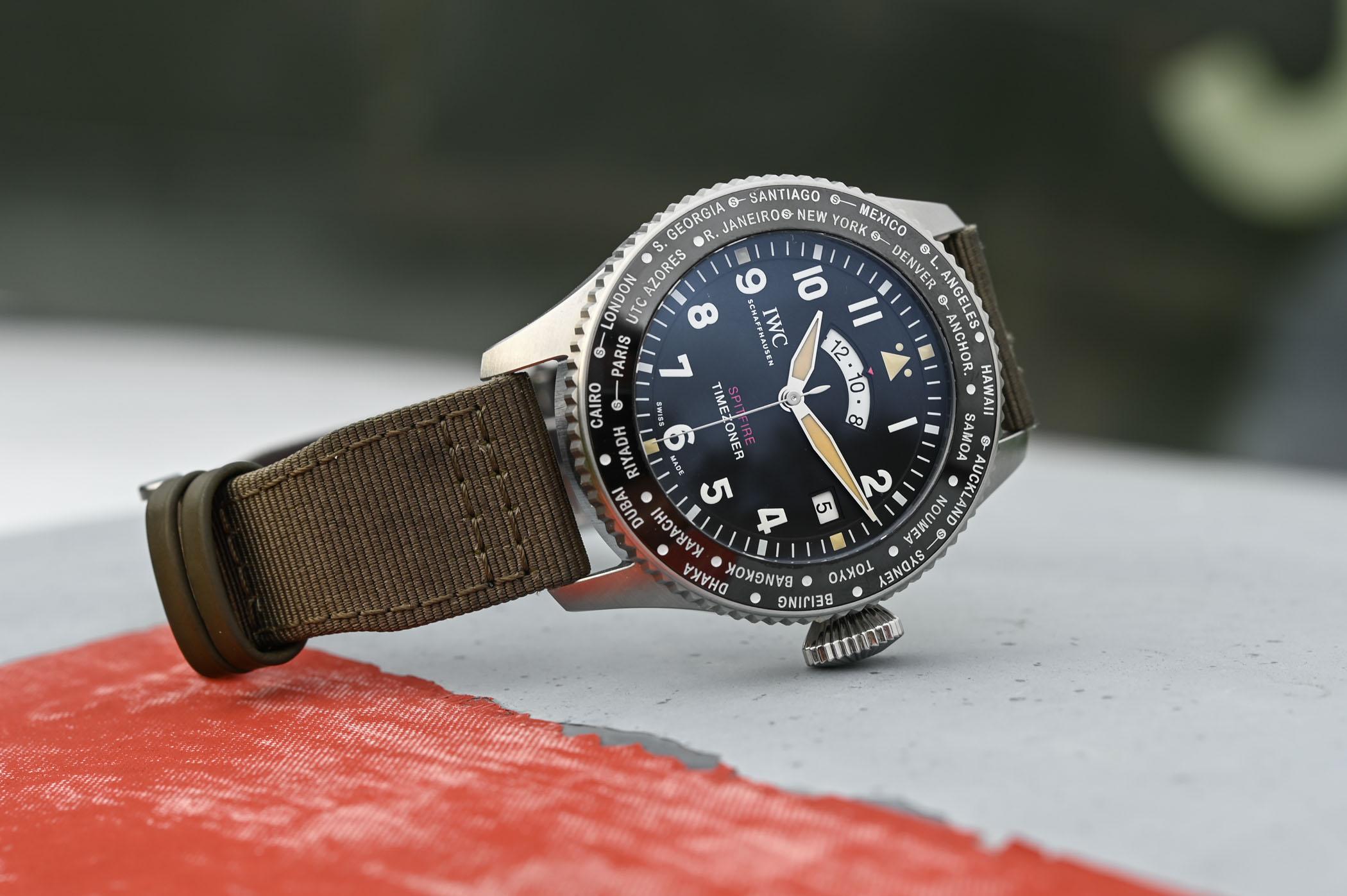Um relógio para a volta ao mundo num Spitfire