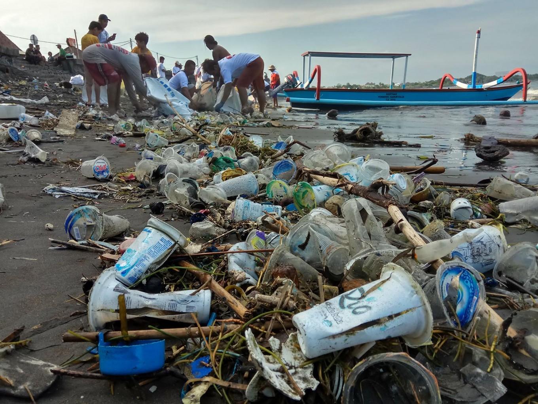 """Estreia europeia do filme """"The Story of Plastic"""""""