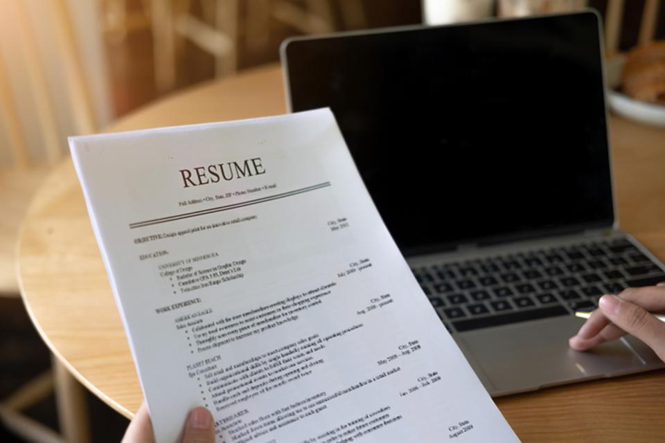 Referenciar quem procura emprego – Refer a Talent