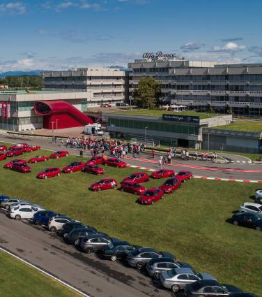 Alfa Romeo celebra 111.º aniversário ao lado dos fãs